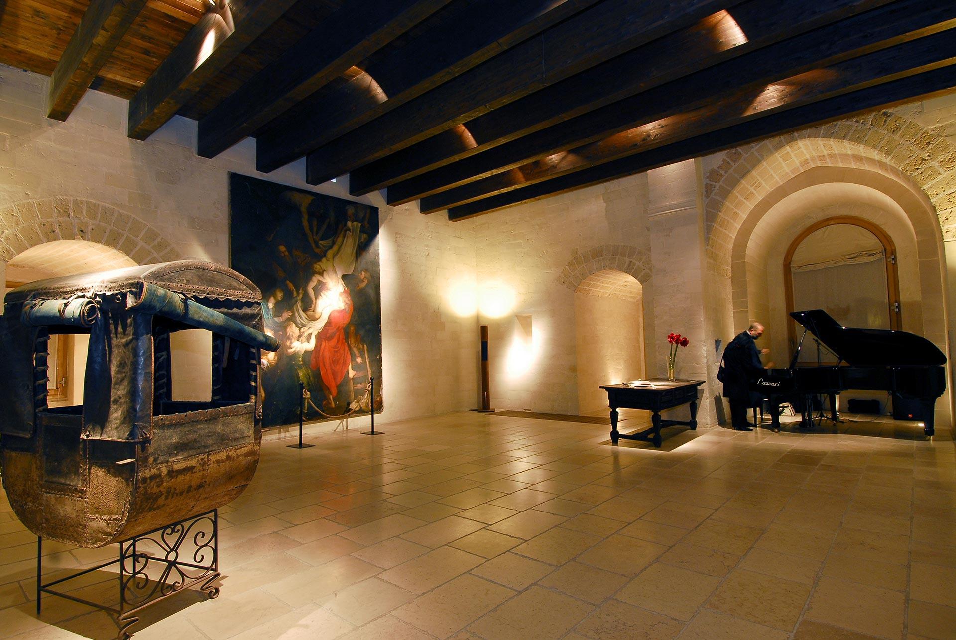 Sala Maria D'Enghien (gallery)